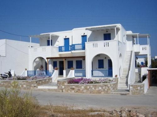 Marianos Apartments - Antiparos Greece