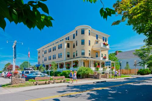 Colonial Inn - Ogunquit, ME 03907