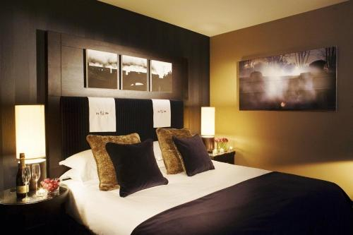 Photo of Malmaison Reading Hotel Bed and Breakfast Accommodation in Reading Berkshire
