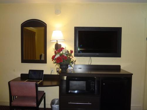 Americas Best Value Inn - Goldsboro Photo