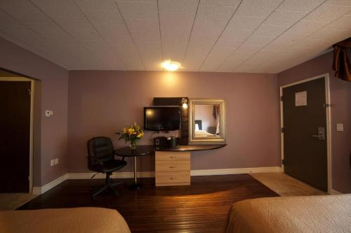 Quality Hotel Fallsview Cascade Photo