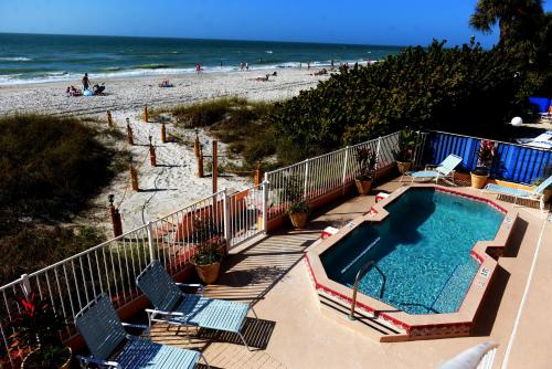 Beach Suites Resort Photo