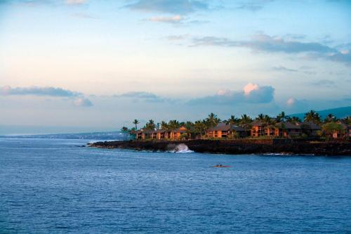 Kanaloa at Kona by Castle Resorts & Hotels Photo