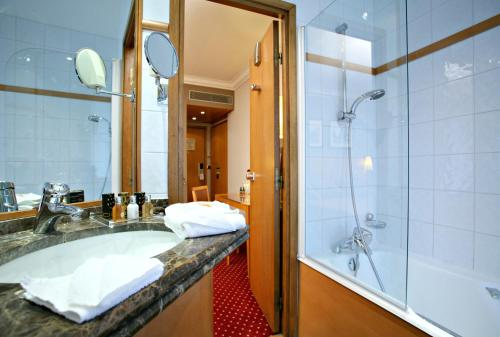 Best Western Premier Royal Saint Michel photo 2