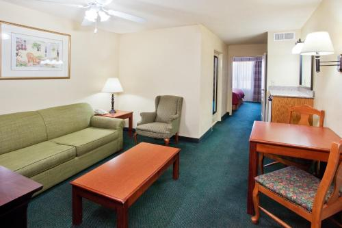 Country Inn & Suites Hiram Photo