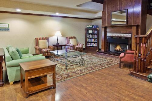 Country Inn & Suites by Radisson, Hiram, GA Photo