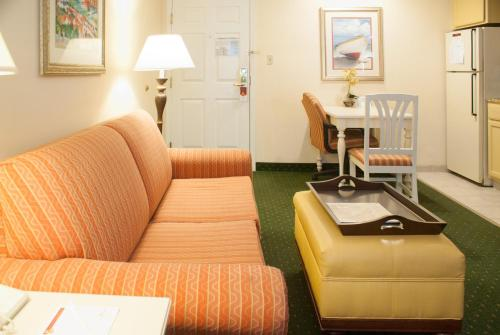 Hawthorn Suites by Wyndham Jacksonville Photo