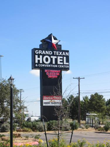 Grand Texan Hotel and Convention Center Photo