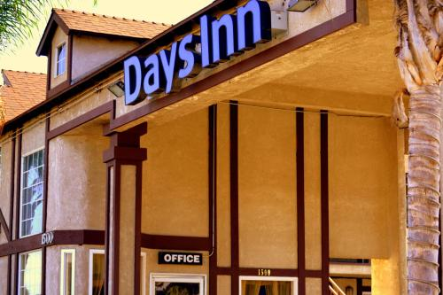 Picture of Days Inn Long Beach City Center