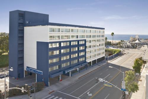 Wyndham Santa Monica At The Pier Photo