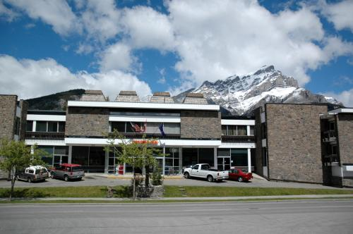 Banff Voyager Inn Photo