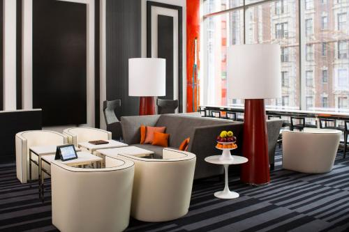 Courtyard by Marriott New York Manhattan/Central Park Photo