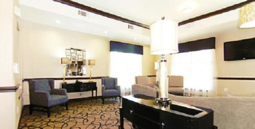 Best Western Plus Classic Inn and Suites Photo