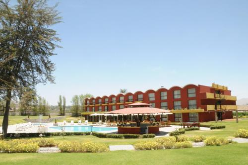 Hotel El Lago Estelar Photo