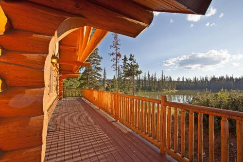 Lac Le Jeune Wilderness Resort Photo