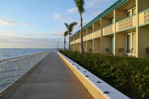 Picture of Punta Gorda Waterfront Hotel & Suites/><p class=