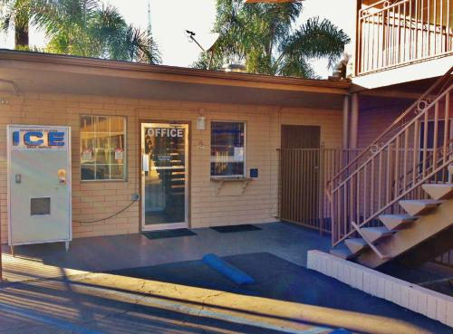 Downtown Motel 7 - San Bernardino, CA 92405