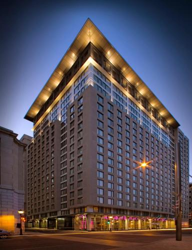 Embassy Suites by Hilton - Montreal Photo