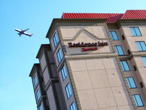 Residence Inn by Marriott Toronto Airport Photo