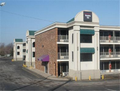 Photo of Knights Inn Lenexa Hotel Bed and Breakfast Accommodation in Lenexa Kansas