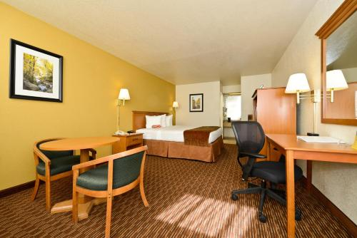 Best Western Sawmill Inn Photo