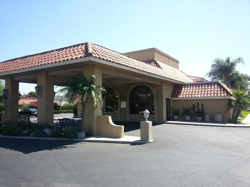 Anaheim Hills Inn & Suites Photo