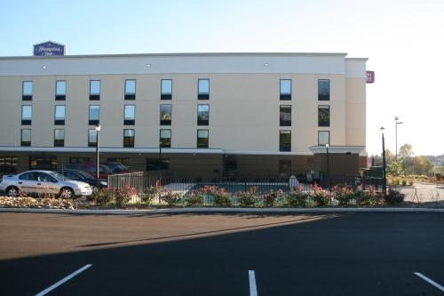 Hampton Inn Cookeville Photo
