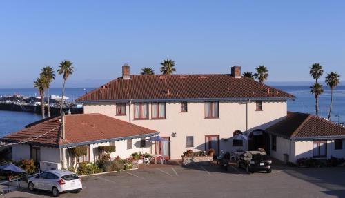 Casablanca Inn on The Beach - Santa Cruz, CA 95060