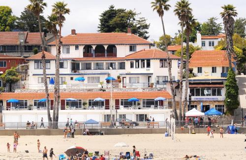 Casablanca Inn on The Beach Photo
