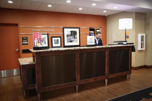 Hampton Inn Union City Photo
