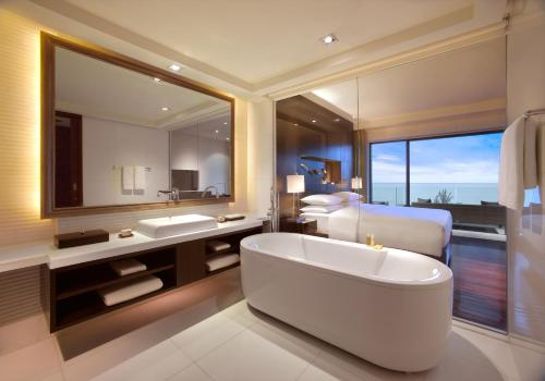 Hyatt Regency Phuket Resort, Phuket, Thailand, picture 1