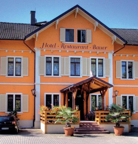 Hotel Bauer