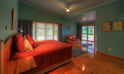 Trade Winds Country Cottages Photo