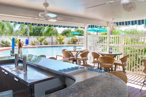 Best Western Plus - Gateway Siesta Key Photo