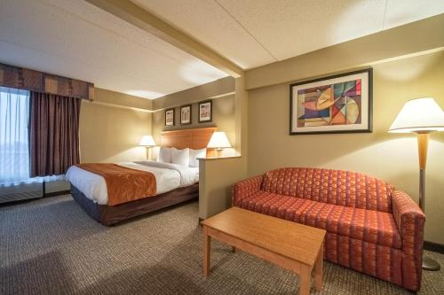 Comfort Suites Allentown Photo