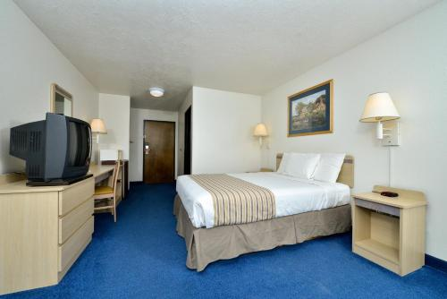 Econo Lodge Inn & Suites Corvallis Photo