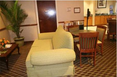 Hampton Inn Madison Photo