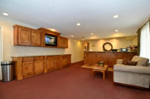Cameron (MO) United States  city photo : Guesthouse Acorn Inn, Cameron, MO, United States Overview | priceline ...