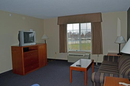 Paola Inn and Suites Photo