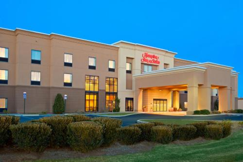 Hampton Inn & Suites Manchester Photo