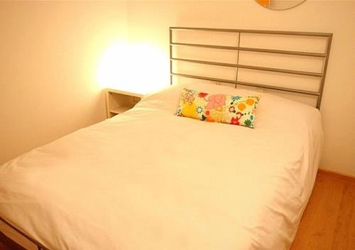 Apartamentos Rent4days Sants Apartments thumb-2