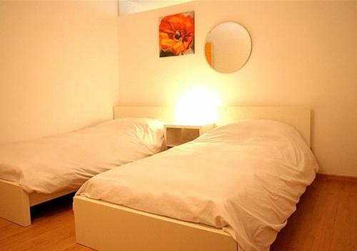 Apartamentos Rent4days Sants Apartments thumb-3