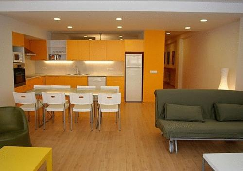 Apartamentos Rent4days Sants Apartments 1