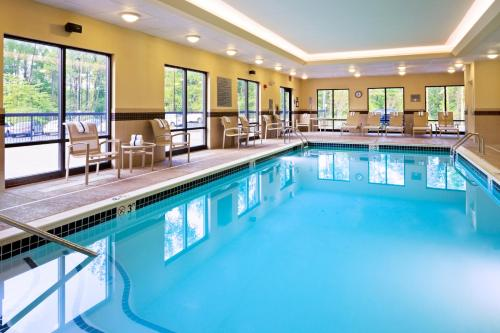 Hampton inn and suites alexandria va Swimming pools in alexandria va