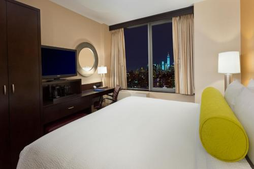 Fairfield Inn & Suites by Marriott New York Midtown Manhattan/Penn Station Photo