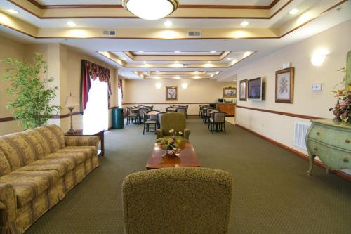Best Western Executive Inn - Latta Photo