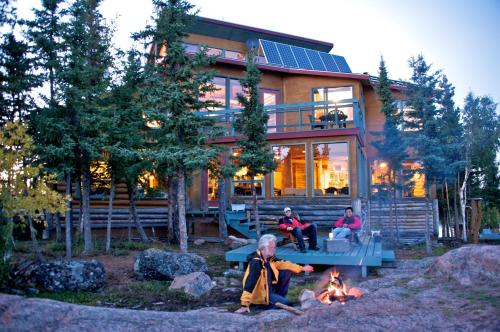 Blachford Lake Lodge Photo