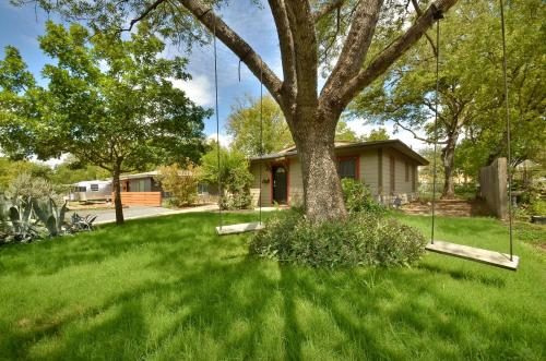 Hyde Park Home by TurnKey Vacation Rentals - Austin, TX 78752