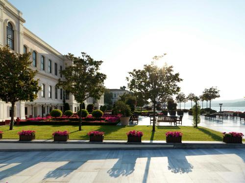 Four Seasons Hotel Istanbul at the Bosphorus impression