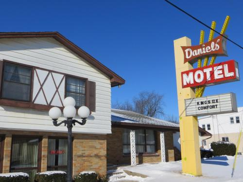 Picture of Daniels Motel/><p class=